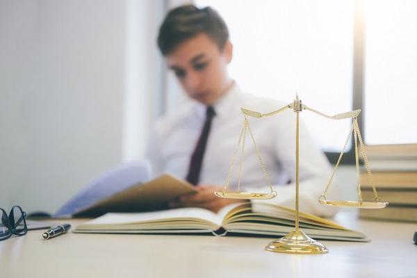 Avvocato in ufficio